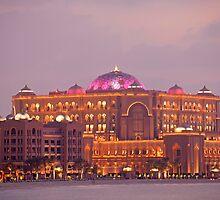 Emirates Palace by reisefoto