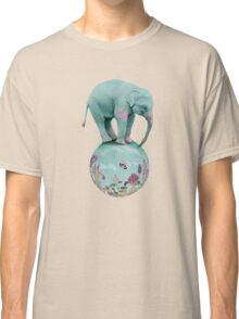 Mauve flowers on turquoise sky background Classic T-Shirt