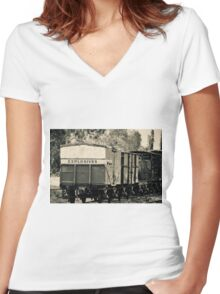 Vintage train carriage - explosives Women's Fitted V-Neck T-Shirt