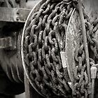 Oxidised Chain Links by Fotomus-Digital