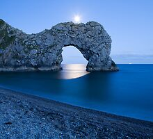 Under the moonlight by Ian Middleton