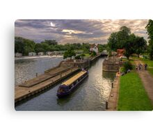 The River Thames at Goring Canvas Print