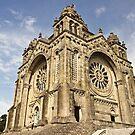 Saint Luzia's Basilica by João Figueiredo