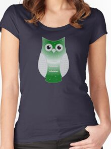 Green Snow Owl Women's Fitted Scoop T-Shirt