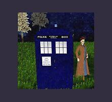 Dr Who David Tennent outside Tardis Unisex T-Shirt