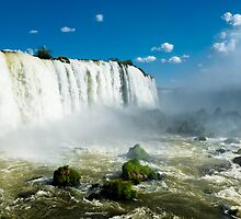 Cataratas do Iguaçu by Igor Alecsander