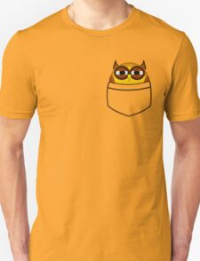 Pocket owl is highly suspicious T-Shirt