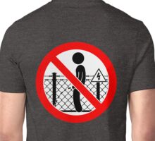 Don't wizz on the electric fence Unisex T-Shirt