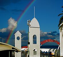 Rainbow over Cunningham Pier by AMPMphotography