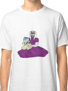 shocking good doll Classic T-Shirt