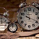 A Che ora E? by phil decocco