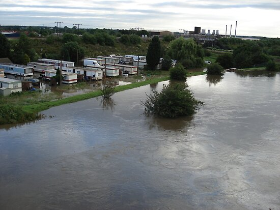 Caravan park next to River Don 2007 by Peterwlsn
