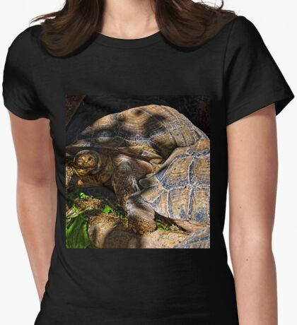 Giant Tortoise........... Womens Fitted T-Shirt