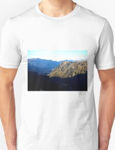 I look to the mountains Unisex T-Shirt