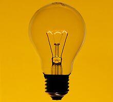 Floating bulb on yellow background by mattiaterrando