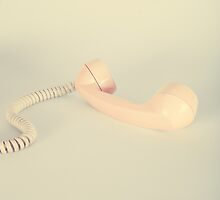 Retro Pink Telephone  by Andreka