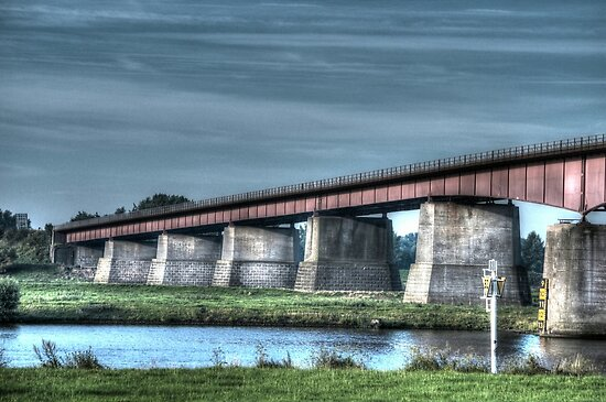 Bridge over the Nederrijn by Peter Wiggerman