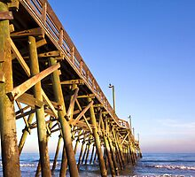 Surfside Pier by clizzul