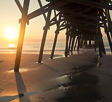 Sunrise Pier by clizzul