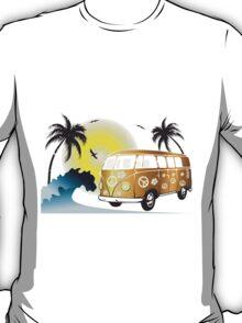 VW T1 on the beach T-Shirt