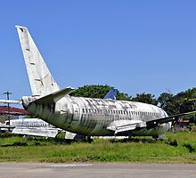 Abandoned airplane. by FER737NG