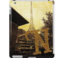 Grungy Melbourne Australia Alphabet Letter N National Gallery Victoria Wireframe Tower iPad Case/Skin