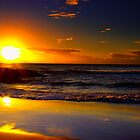 Currumbin Sunrise by tonyporter