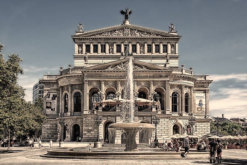 Old Opera Frankfurt by Jo-PinX