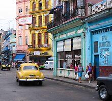Havana street scene by Anne Scantlebury