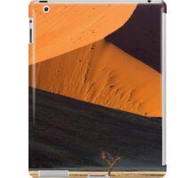 Lone tree at dawn in the Namibian dunes iPad Case/Skin