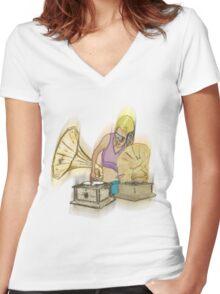 dj Women's Fitted V-Neck T-Shirt