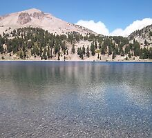 The crystal clear deep blue waters of lake Helen in Lassen by Dragoncat