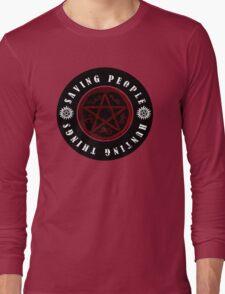 Saving people and hunting things! Long Sleeve T-Shirt