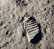 buzz aldrin's boot . nasa by timmehtees