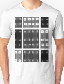 switch pattern white I T-Shirt