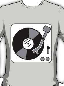 Retro Record Player by Chillee Wilson T-Shirt