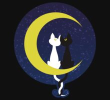 Cats in love on the moon Kids Tee