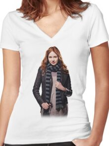 Amy Pond - The Girl Who Waited Women's Fitted V-Neck T-Shirt
