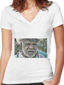 Wangai Elder  Women's Fitted V-Neck T-Shirt