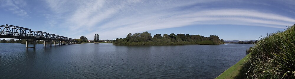 Manning River, Taree II by Gary Kelly