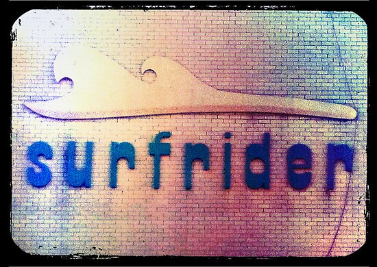retro surfrider by geophotographic