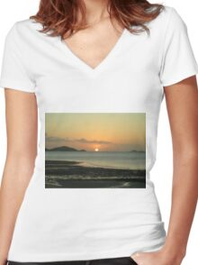 Low Tide Women's Fitted V-Neck T-Shirt
