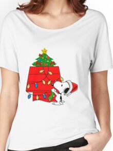 Snoopy christmas Women's Relaxed Fit T-Shirt