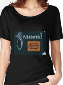 Frauen! Sorget für Frieden und Brot! Wählet und werbt für die Wahl! 1379 Women's Relaxed Fit T-Shirt