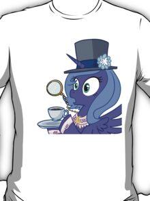 Luna Gasping  T-Shirt