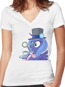 Luna Gasping  Women's Fitted V-Neck T-Shirt