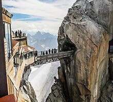 Passage between mountains by Cristim