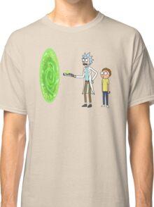Rick & Morty makin' a portal Classic T-Shirt