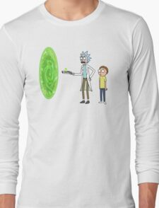 Rick & Morty makin' a portal Long Sleeve T-Shirt
