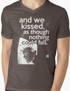 """And we kissed, as though nothing could fall"" - David Bowie (orange) Mens V-Neck T-Shirt"